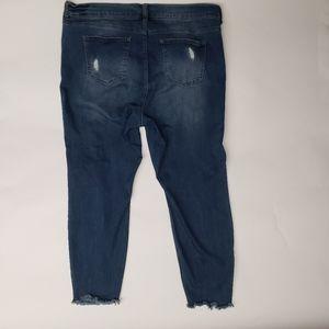 Distressed Skinny Jeans With Raw Hem Size 20